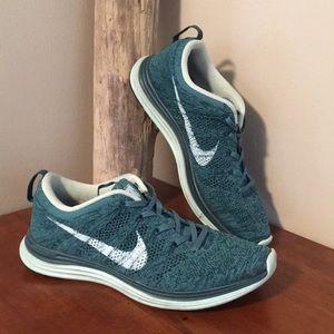 🌺 Nike Lunar Flyknit